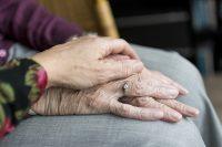 Cuidado de mayores y personas dependientes