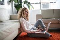 Swagbucks: consigue dinero y tarjetas regalo por hacer sencillas tareas desde casa